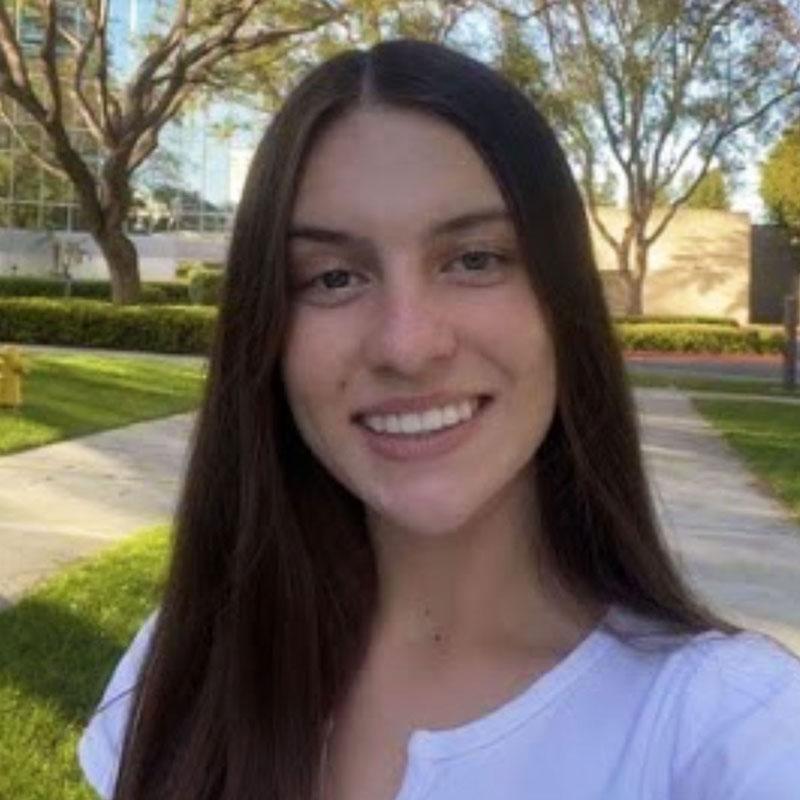 High School Volunteer Wiktoria